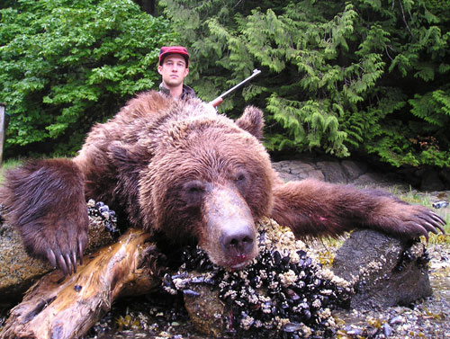 Coastal Grizzly Bear Hunting Guides & Outfitter - North